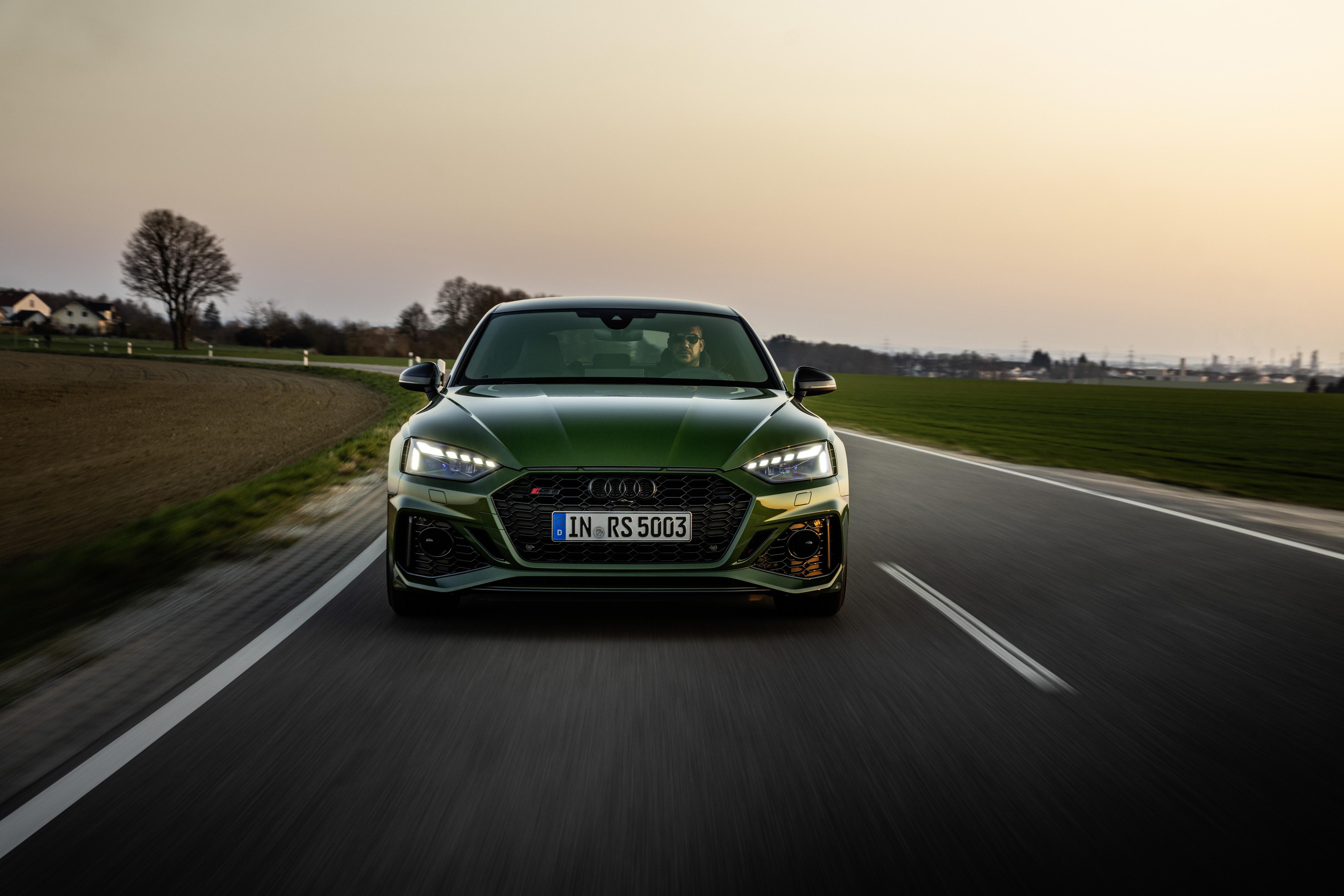 Straßenstaubsauger mit 450 PS - der Audi RS 5 ist eine kultiviertre Sportlimousine, die es faustdick unter der Haube hat.