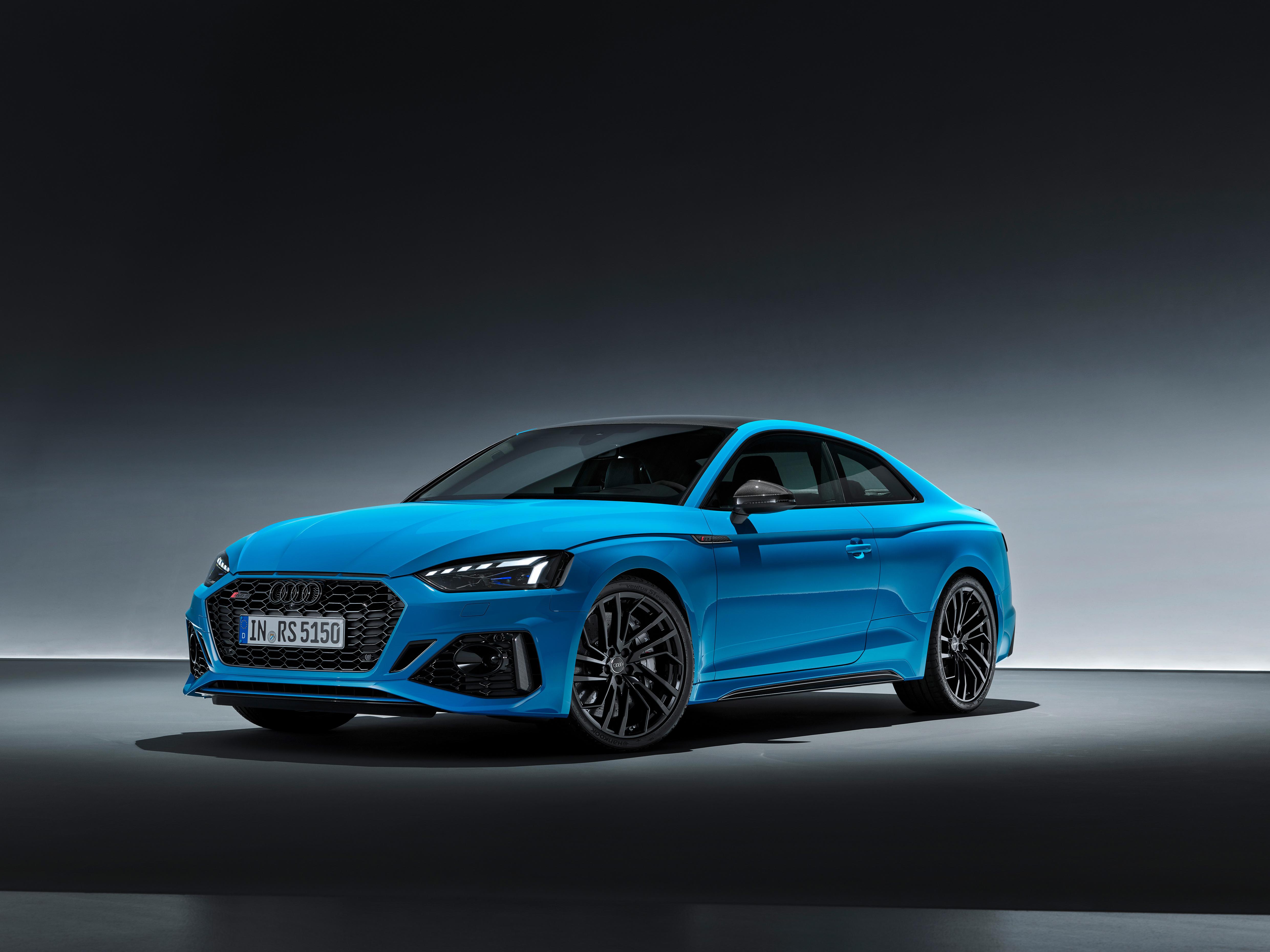 Die Lackierung Turbo Blau kostet zwar nur knapp 900 Euro extra - wer mit seinem RS 5 auffallen will, sollte sie sich leisten.