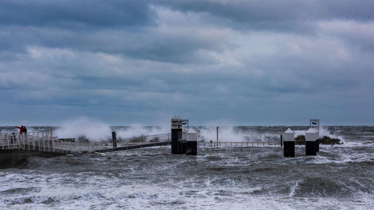 Wetter für immer verändert? Schwächster Golfstrom seit 1.500 Jahren - Experte erklärt schlimme Folgen - Merkur.de