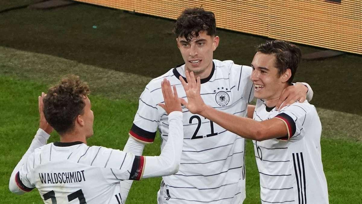 Deutschlands Shooting-Star wechselt nicht zum FC Bayern: Er sagt lieber bei der Bundesliga-Konkurrenz zu