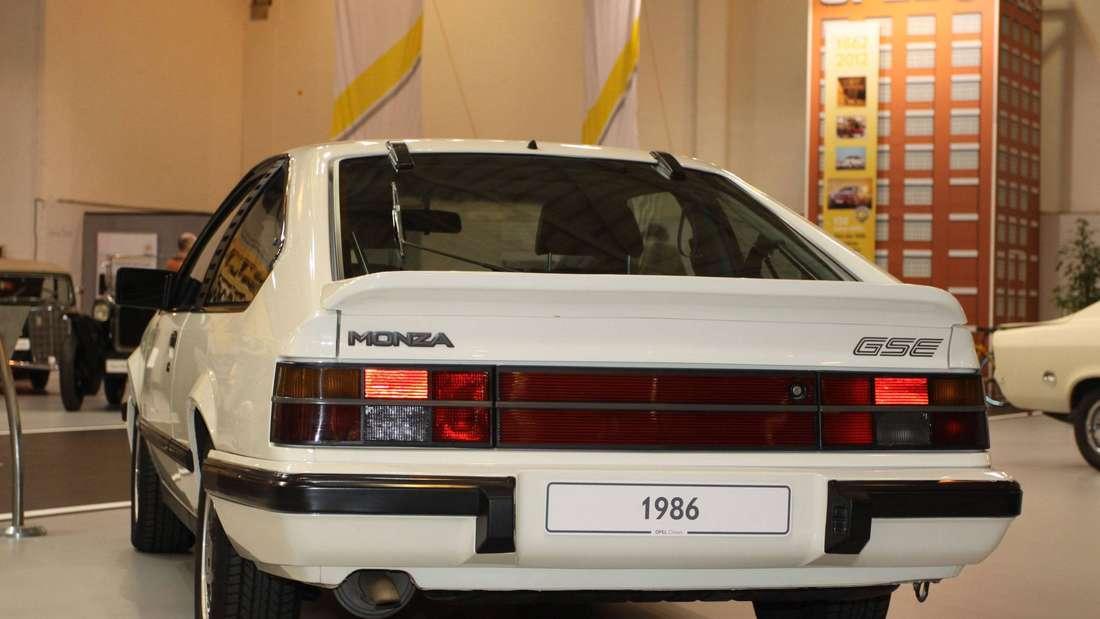 Opel Monza GSE auf der Techno Classica 2012 in Essen