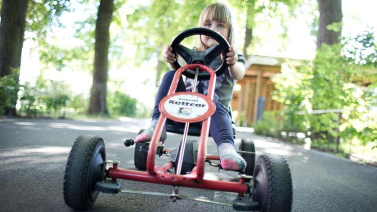 Autofahrerin erfasst dreijährigen Jungen auf Kettcar und schleift ihn mehrere Meter mit